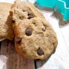 Vegan & Gluten-Free Chocolate Chip Cookies