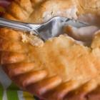 4-Ingredient Simple Chicken Pot Pie