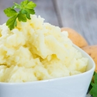 Light & Fluffy Dairy-Free Mashed Potatoes