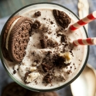 Vegan Oreo Cookie Milkshake