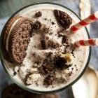 Vegan Oreo Cookie Milkshake