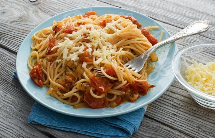 Cheesy Chicken Spaghetti Feature