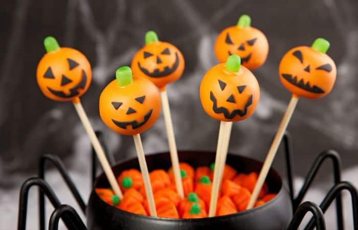 easy vegan cake pops for halloween feature