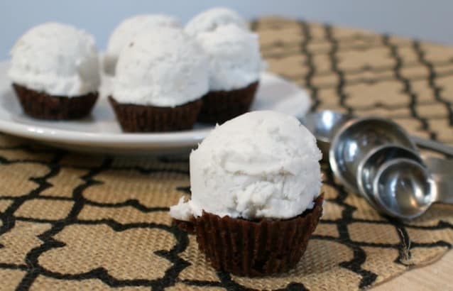 easy allergy-friendly ice cream brownie cupcake recipe feature