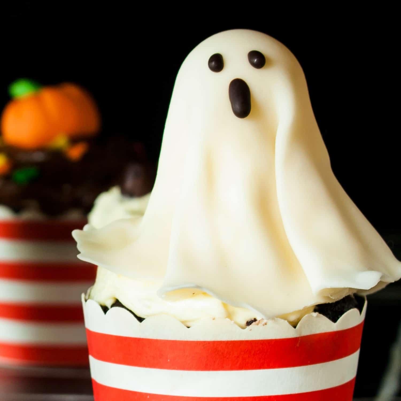 easy ghost cupcake idea sq