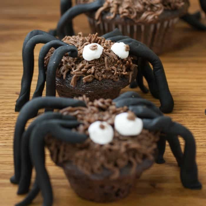 eggless and dairy free halloween spider cupcakes sq