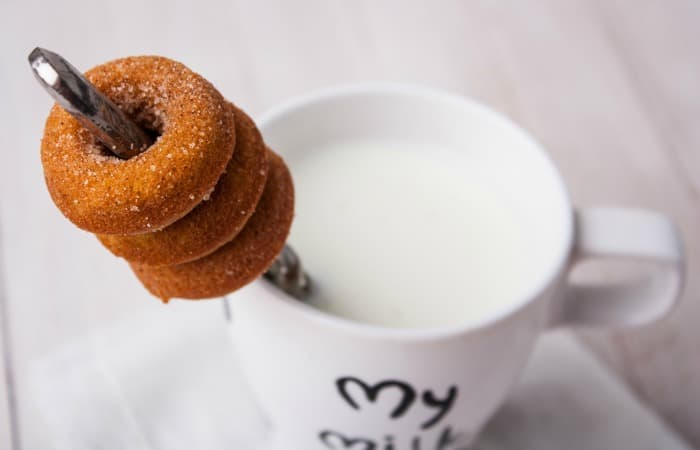 pumpkin spice donuts eggless and dairy-free feature