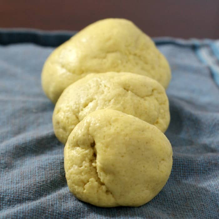 Easy recipe for lemon play dough sq