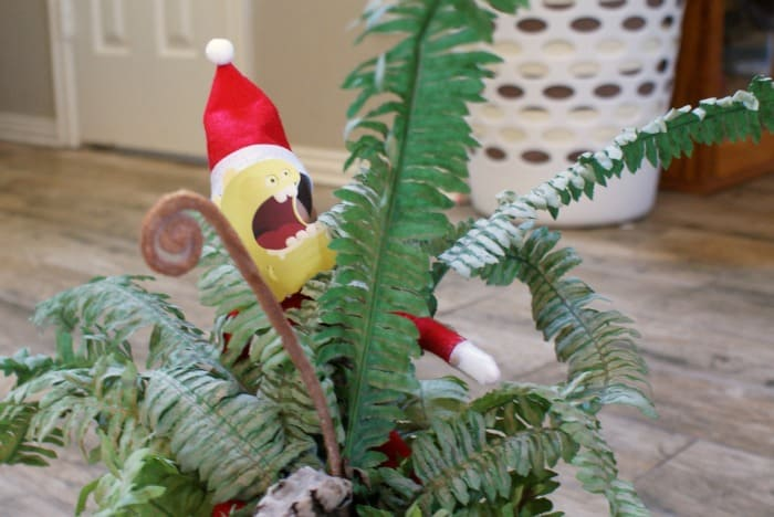... also hide the elf in this monster mask under a kiddos' bed–FUN