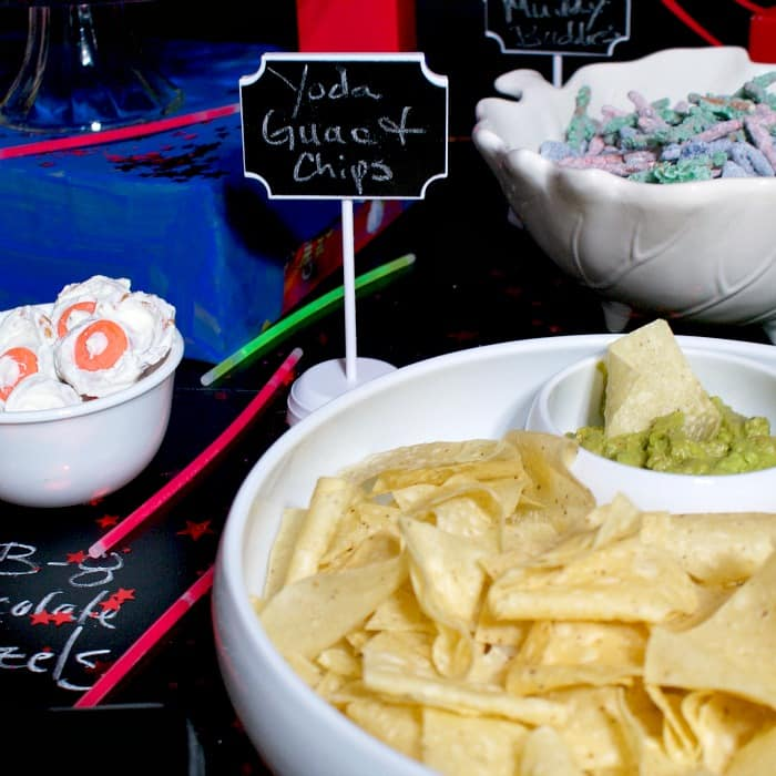 how to throw a star wars party snacks