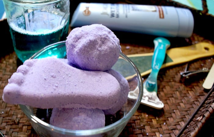 DIY Moisturizing Fizzy Foot Bomb for a Quick At-Home Pedicure feature