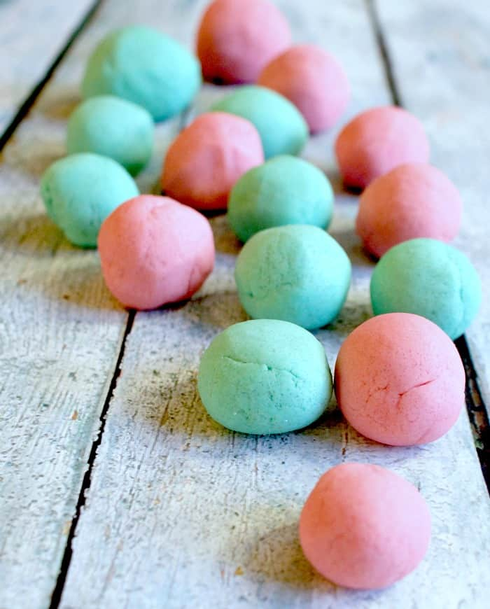 I love how pretty this cotton candy play dough is. And so super soft...