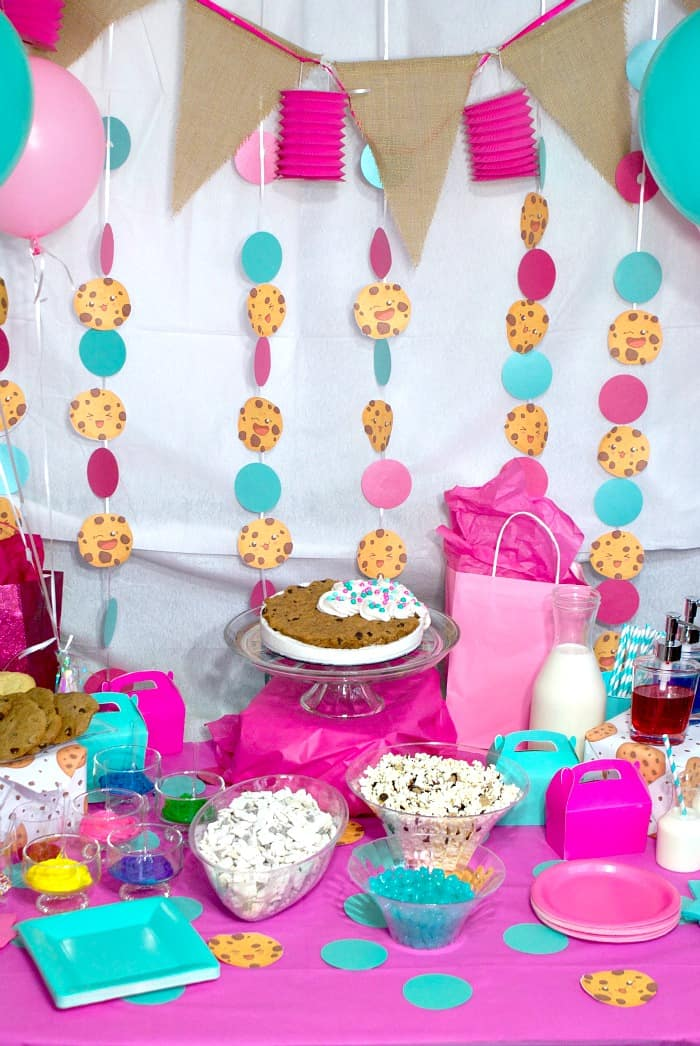 cheap and easy party for little girls with cookies