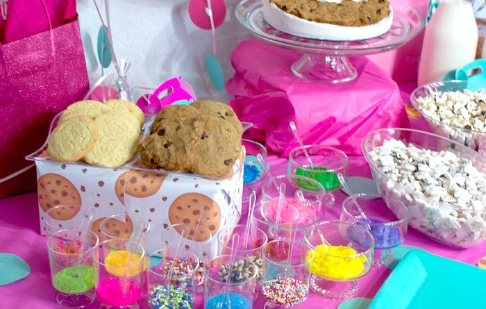 decorate your own cookie bar at a party