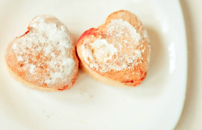 easy jelly donuts for valentines feature