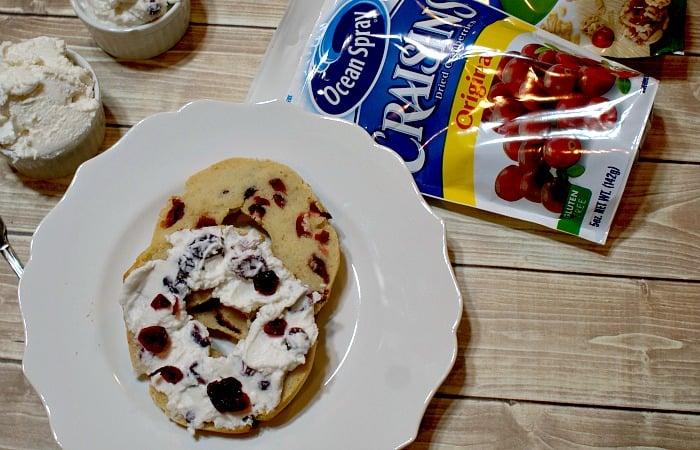 gluten-free cranberry bagel recipe feature