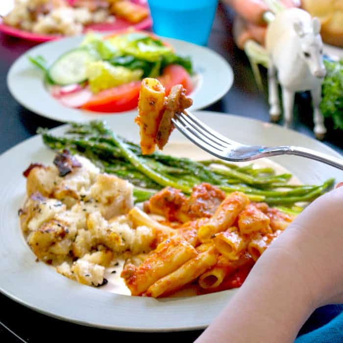 how to celebrate dinner with family easily sq