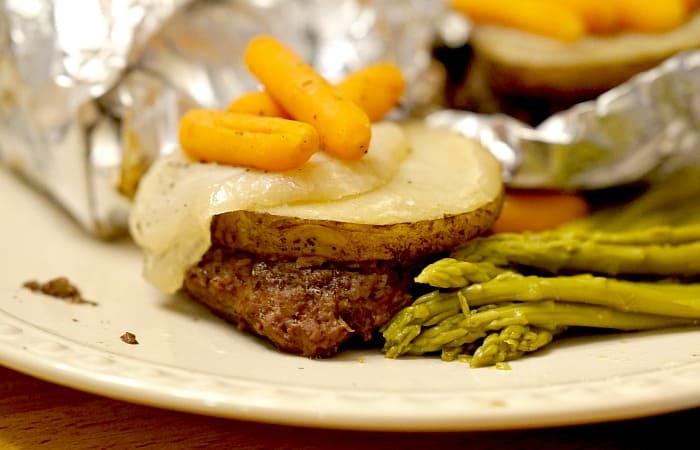 3-ingredient packet dinner recipe feature