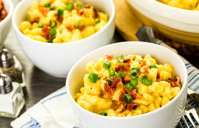 bacon macaroni and cheese recipe feature