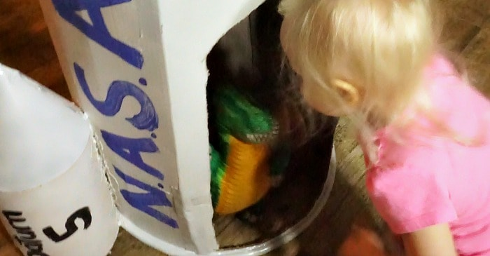 easy way to make a rocket with a cardboard box