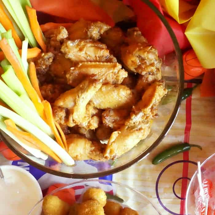 easy slow cooker hot wings sq