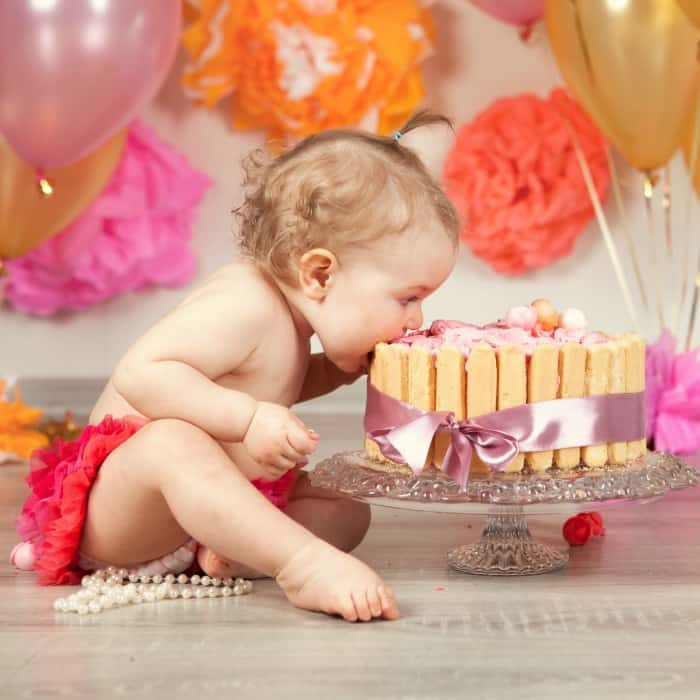 how to do a cake smash photo at home sq