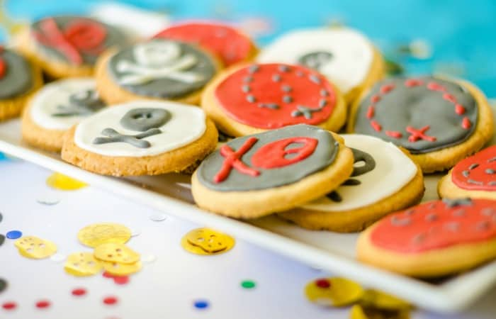 how to make pirate cookies for a pirate party feature