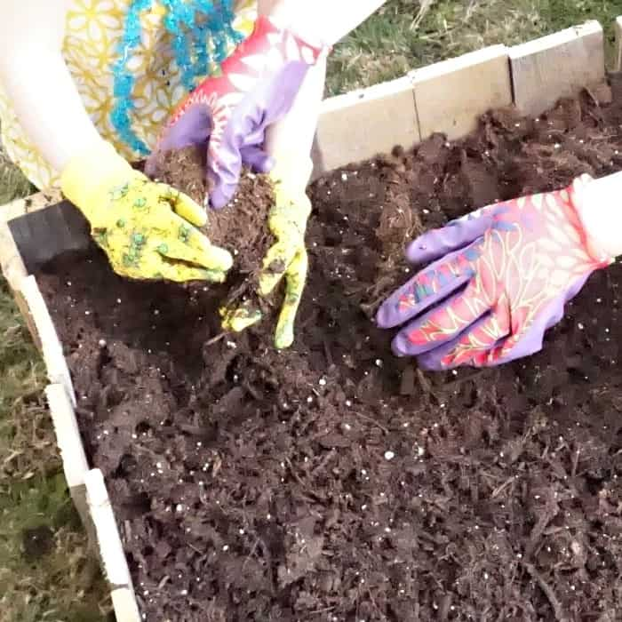 how to teach toddlers to garden sq