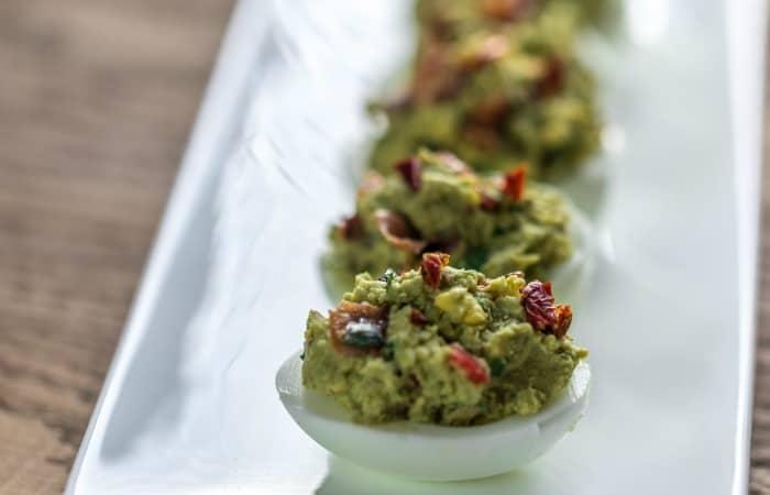 recipe for guacamole eggs feature