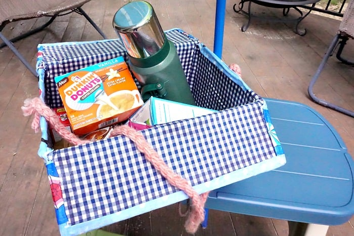 how to make a box into a picnic basket hero