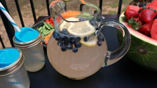 how to make blueberry lemonade feature