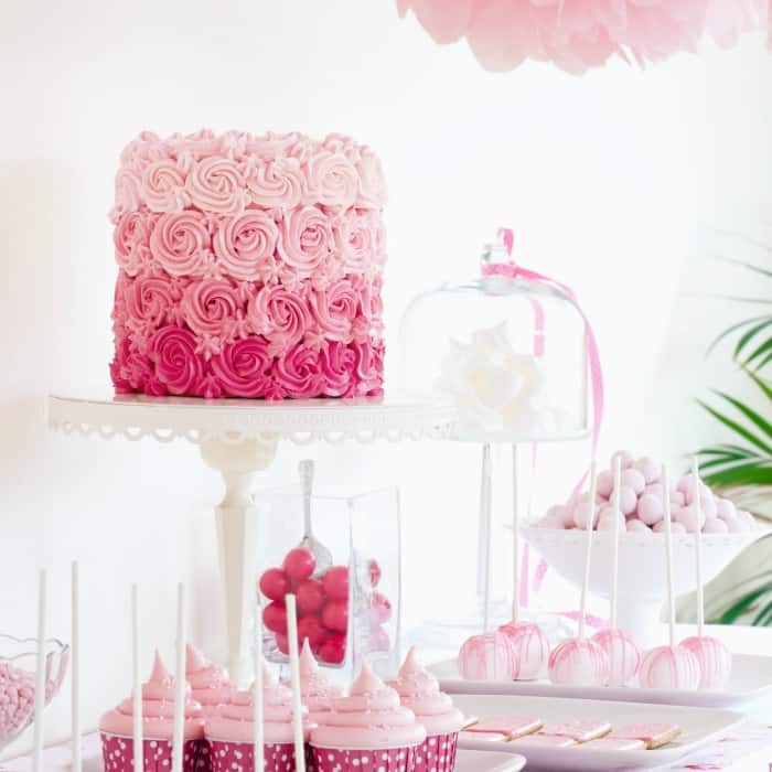 how to do a party tablescape for a blog party sq