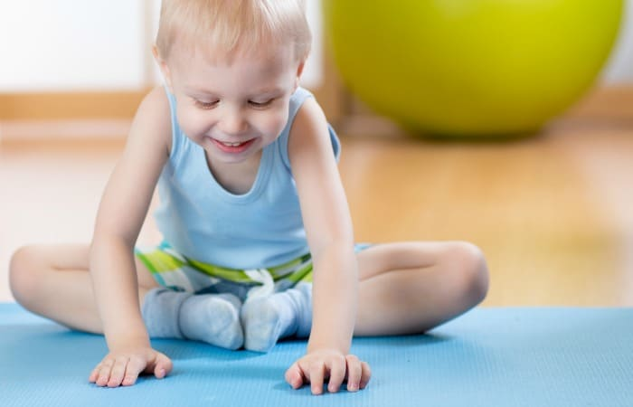 how to do yoga with toddlers featuer