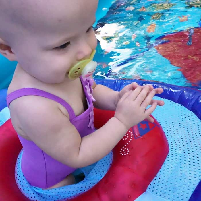 how to get your baby to be happy swimming sq