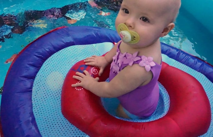 how babies play in the water feature