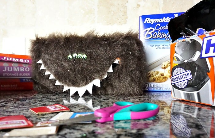 how to make a monster box top collector feature