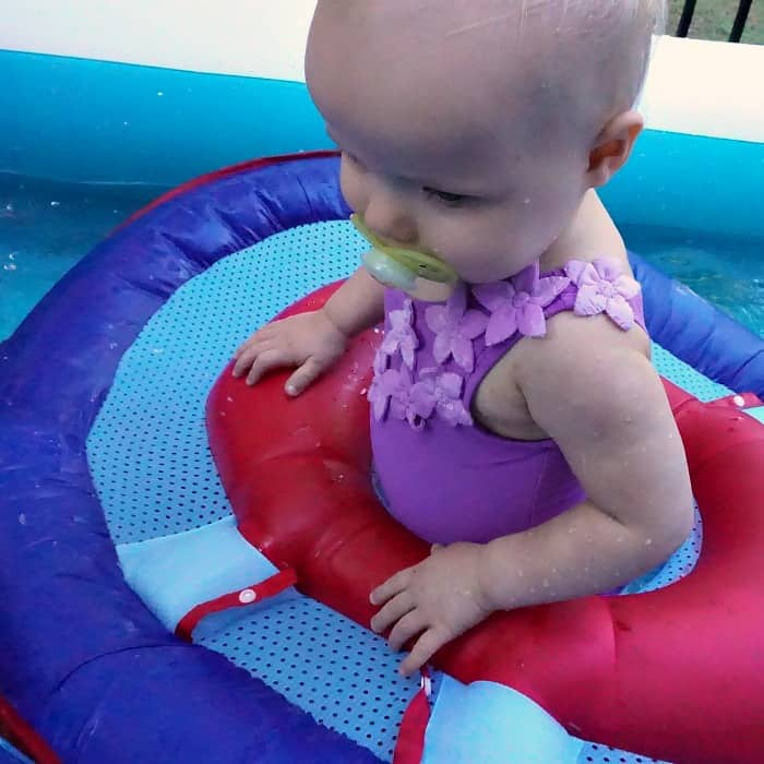 how to play with a baby in a pool sq
