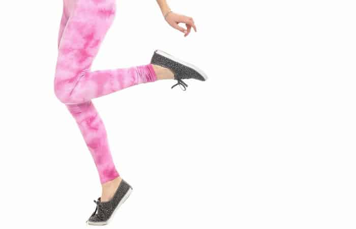 a dude's perspective on leggings fea