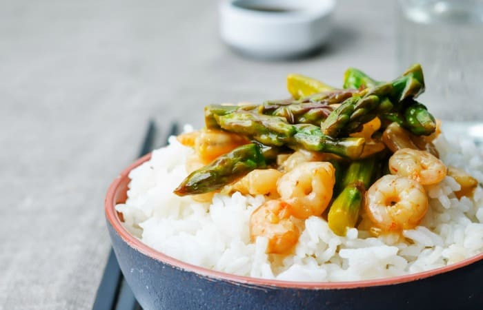 easy gluten-free stir fry with shrimp fea
