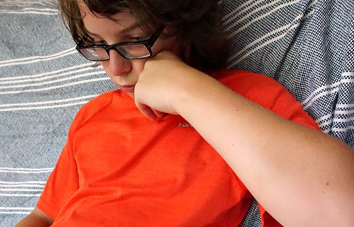 easy steps for helping a teen feel better about themselves fea
