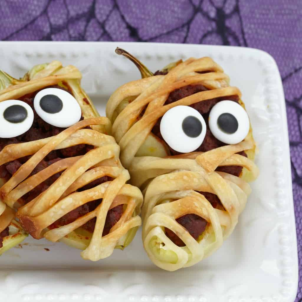 jalapeno popper pizza mummies for halloween sq