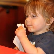 5 Crazy Hacks for Eating Out With Toddlers