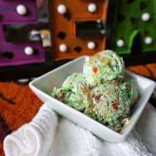 Zombie Ice Cream {Vegan & Gluten-Free Rootbeer Float Ice Cream}