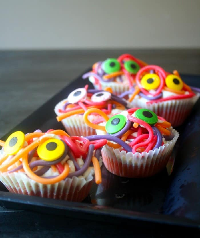 how to make spaghetti monster cupcakes sq