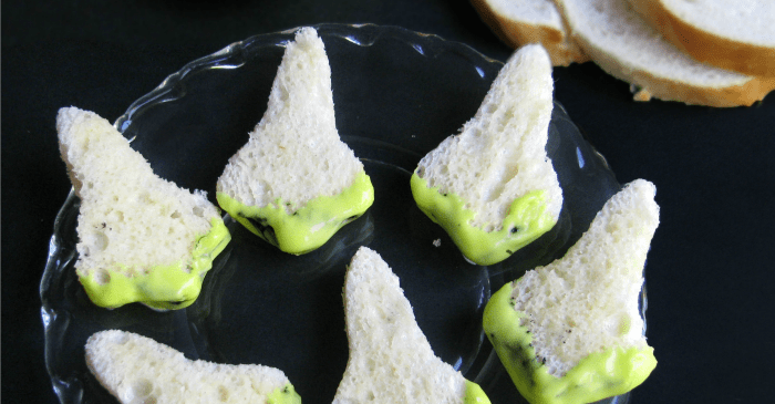 This is HILARIOUS. I have to make this Zombie Snot Dip for our Halloween Party--such an easy recipe. I love it.