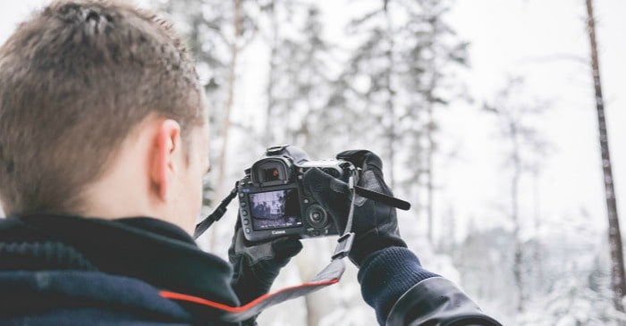 15 basic camera accessories for beginners