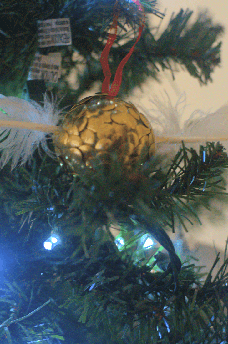 I'm in a stage of loving Harry Potter so much that I can't get enough. I made these Golden Snitch Ornaments to put on the Christmas tree, but I'm already planning to hang them all year round on a house plant. #nerdymammablog #harrypotter