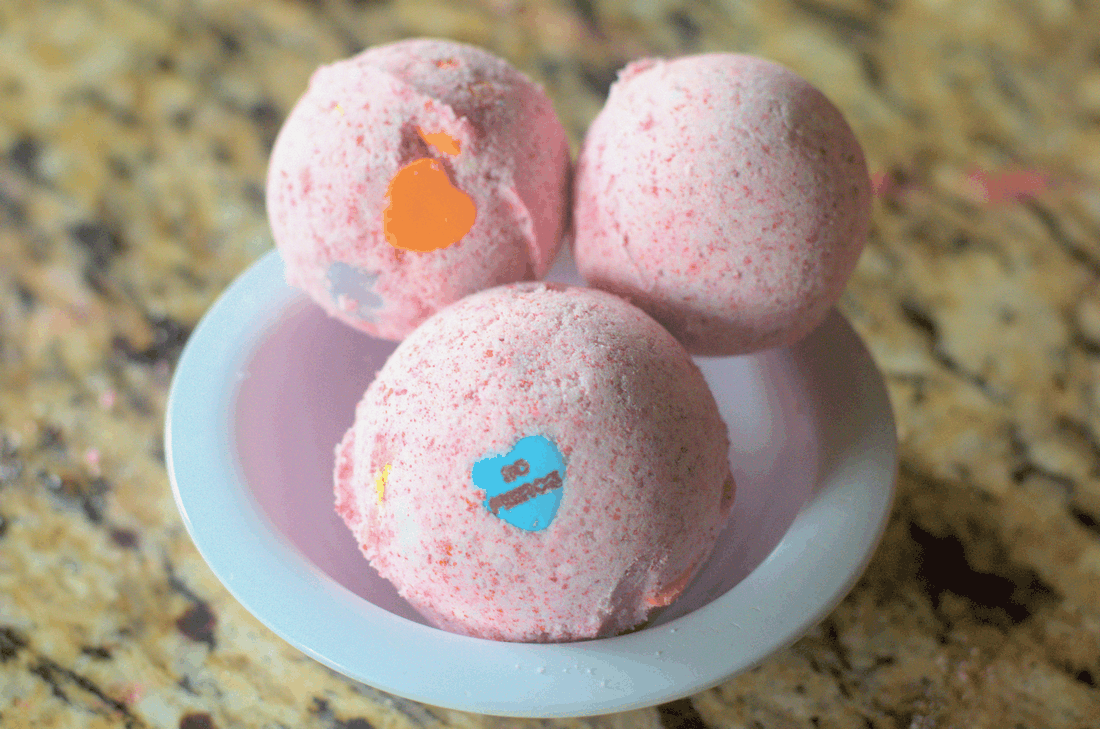 Conversation Heart Bath Bomb