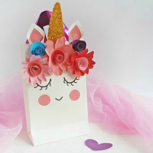 Unicorn Favor Bag for a Unicorn Party (with Free Printable Template)