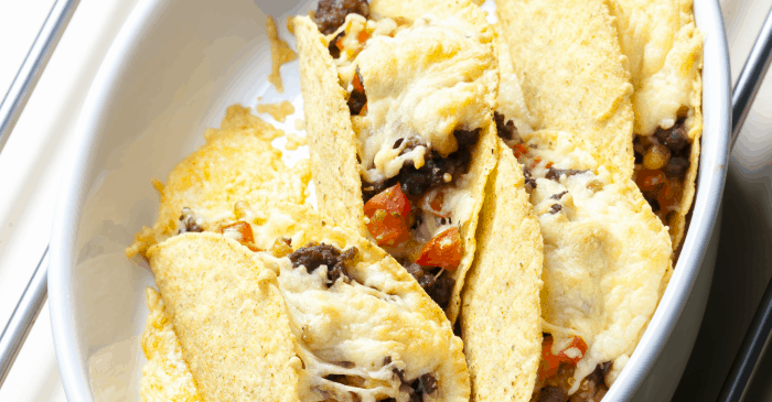 These simple Baked Mini-Tacos are insanely easy appetizers! So awesome. #taco #tacos #appetizer #easy #recipe #tacorecipe #appetizerrecipe